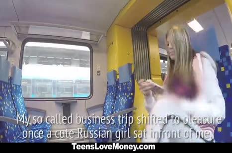 Русская блондиночка готова потрахаться за деньги