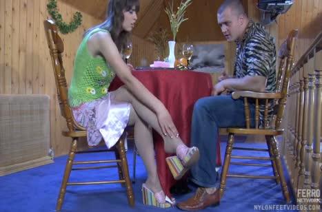 Молодая русская пара пробует снимать порнуху