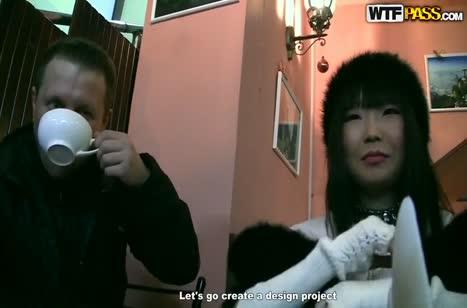 Пикаперы подсняли на улице очередную русскую давалку