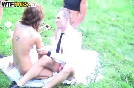 Молодую русскую невесту жестко отодрали после свадьбы
