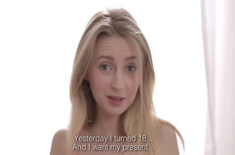 Порадовал грустную русскую блондинку хорошим сексом