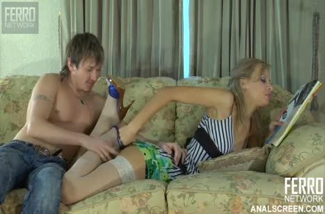 Русская подружка заохала от пениса мужа в попке