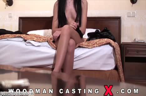 Начинающая русская порно актриса проходит кастинг