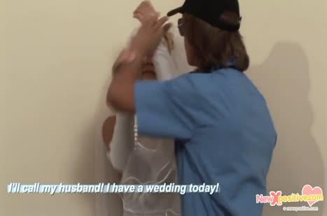 Охранник устроил бухой невесте порно задержание