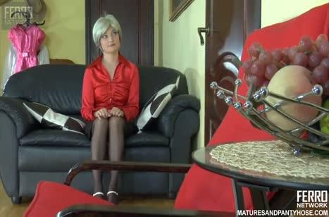 Зрелая русская блондинка соблазнила мужа потрахаться